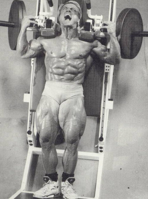 TOM-PLATZ-hack-squats-leg-quads-training-bodybuilding